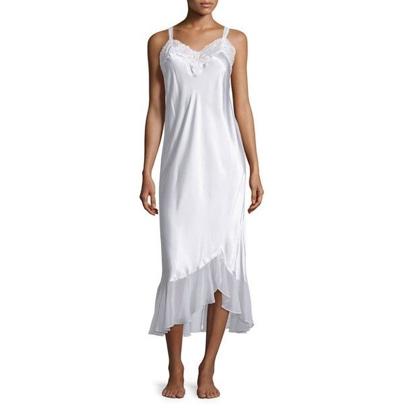 7427cf960b Oscar De La Renta Pink Label Bridal Nightgown